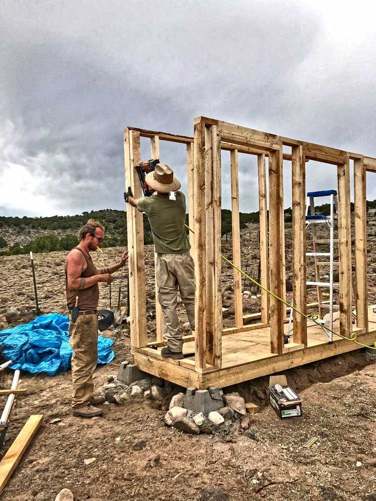 New Mexico Veterans Go Off-Grid for Sustainable Housing